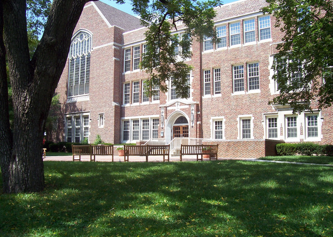 Hudson Hall, the iconic classroom building on the Blackburn College campus in Carlinville, IL.