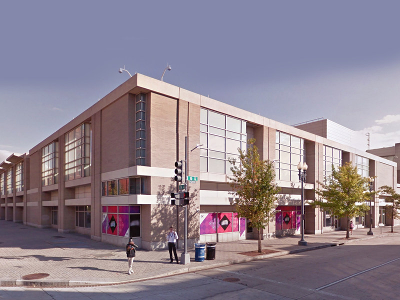 Existing condition of the Streetscape surrounding the Walter E. Washington Convention Center.
