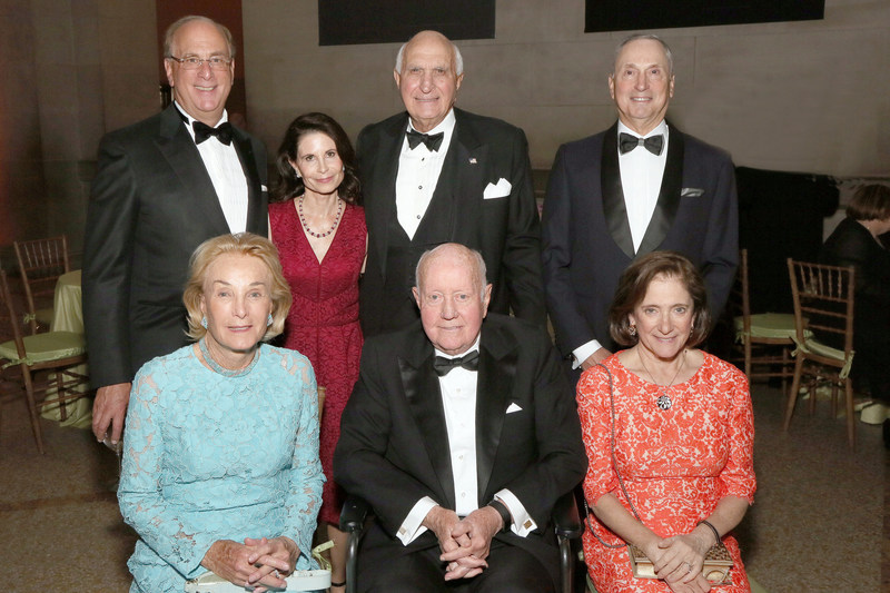 Lawrence and Lori Fink, Ken and Elaine Langone, Robert I. Grossman, MD, Dean and CEO of NYU Langone, Elisabeth J. Cohen, MD, and honoree Thomas S. Murphy at the 2017 Violet Ball.