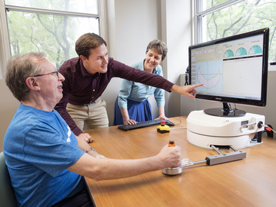 The new AGE-WELL National Innovation Hub will engage a range of stakeholders and help ensure Canadians benefit from new and emerging technologies that support healthy aging. (CNW Group/AGE-WELL Network of Centres of Excellence (NCE))