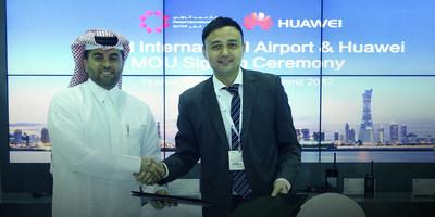 Badr Mohammed Al Meer, ingénieur, chef de l'exploitation de HIA (à gauche), et Xilin Yuan, président du Secteur des transports du groupe Enterprise Business de Huawei (à droite) (PRNewsfoto/Huawei)