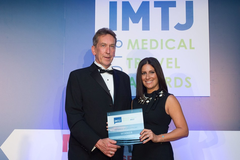 Maha Aboughali, Business Development and Marketing Director, Moorfields Eye Hospital Dubai, accepts the IMTJ Medical Travel Award from Chairman of the judging panel and Managing Editor of IMTJ, Mr. Keith Pollard. (PRNewsfoto/Moorfields Eye Hospital Dubai)