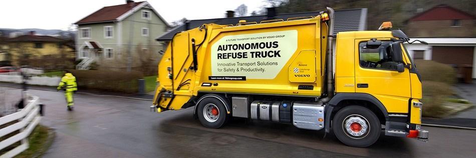 Volvo pioneers autonomous, self-driving refuse truck in the urban environment (PRNewsfoto/Volvo Group)