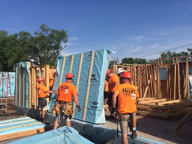 Window installation is happening today as Andersen Corporation is providing a team of more than 40 volunteers this week to help build one of 10 new affordable homes for Greater Des Moines Habitat for Humanity® Blitz Build.