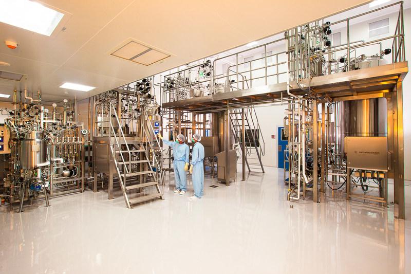 Mammalian cell culture production facility with 2000l bioreactors