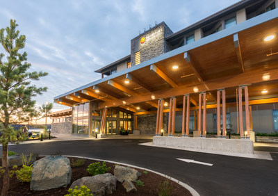 Comfort Inn & Suites, Campbell River – Choice Hotels' International Hotel of the Year Award winner for Comfort brand. (CNW Group/Choice Hotels Canada Inc.)