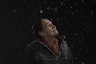 regard-e-moi - Exposition photo ∙ vidéo ∙ poésie avec Joséphine Bacon, Louise Dupré et Violaine Forest (Groupe CNW/Groupe Visigo)