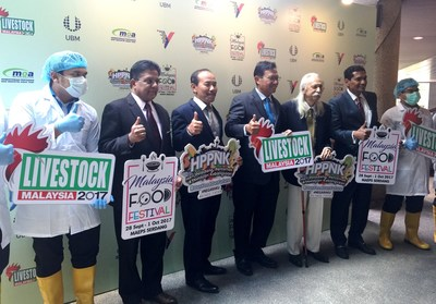 Group photo of VIPs during the press conference of Livestock Malaysia 2017 attended by YB Dato' Sri Ahmad Shabery Cheek, Minister of Agriculture & Agro-based Industry Malaysia. (PRNewsfoto/UBM Malaysia)