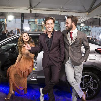 Los actores Lorenza Izzo, Diego Boneta y Ryan Guzman acompañaron al nuevo Toyota C-HR en la alfombra roja del evento de People en Español, Los Más Bellos que se llevó a cabo en la ciudad de Nueva York.