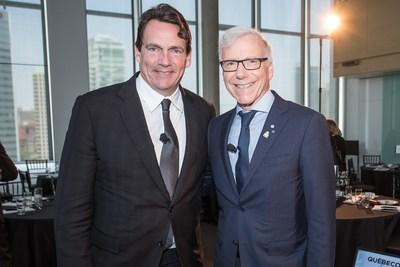 (de gauche à droite) Pierre Karl Péladeau, président et chef de la direction de Québecor, Pierre Bruneau, porte-parole de la Fondation Charles-Bruneau et chef d''antenne du réseau TVA (Groupe CNW/Québecor)