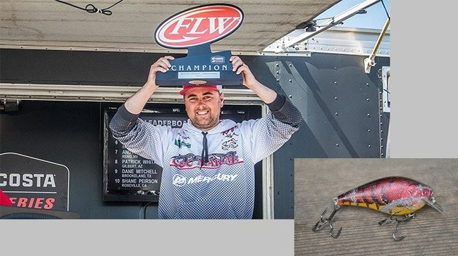 Trapper Tackle Pro Staffer, Hunter Schlander, captures FLW Costa Del Mar win on the California Delta using a Lucky Craft Silent Fat BDS rigged with Trapper Round Bend Treble Hooks