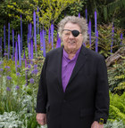 Chihuly Garden and Glass Announces $10,000 Scholarship Award to Commemorate Fifth Anniversary