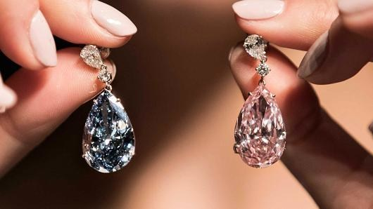 The Apollo and Artemis Diamond Earrings (CNW Group/Paragon International Wealth Management Inc.)