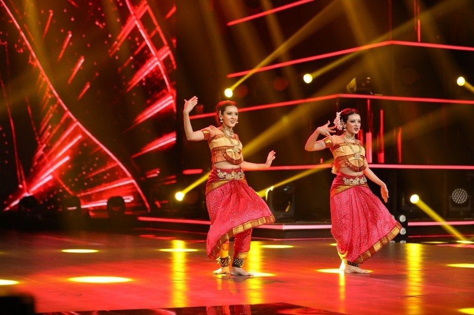 The performance of the Indian Twins