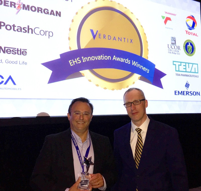 Dan Hertzberg, Sr. Director, U.S. Sales iPoint and David Metcalfe, Verdantix CEO, at the Verdantix EH&S Summit in Houston, Texas, on May 16, 2017 (PRNewsfoto/iPoint-systems gmbh)