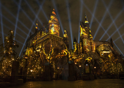 "Universal Studios Hollywood Casts a Dazzling Spell on ""The Wizarding World of Harry Potter"" with Its All-New Summertime Enhancement, ""The Nighttime Lights at Hogwarts Castle,"" Inviting Guests to Experience the Immersive Land in a Whole New Light, Beginning June 23"