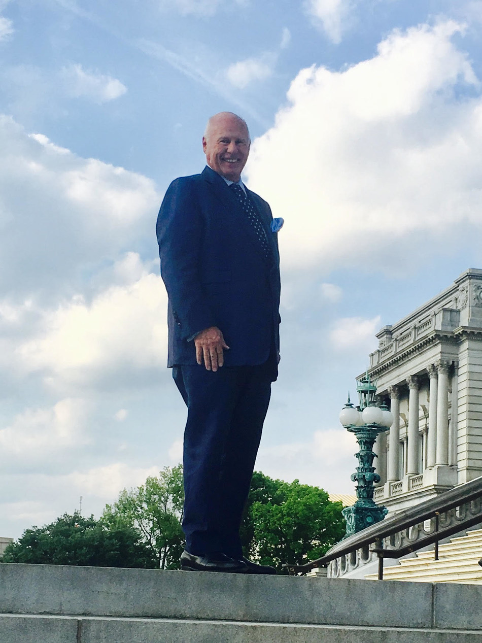 Thomas Girardi in front of the Library of Congress in Washington D. C.