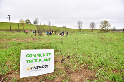 Forests Ontario thanks Enbridge Gas Distribution for its support of Ontario's Green Leaf Challenge and ...