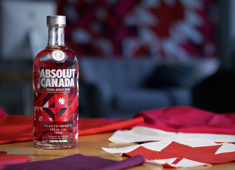 Absolut Vodka Celebrates 150 Years of Forward Thinking with Limited Edition Bottle (CNW Group/Corby Spirit and Wine Communications)