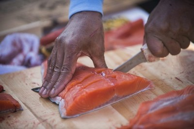 Alaska Air Cargo delivers first Copper River salmon to Seattle