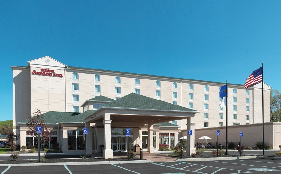 laurus corp spearheads sale of hilton garden inn philadelphia ft washington