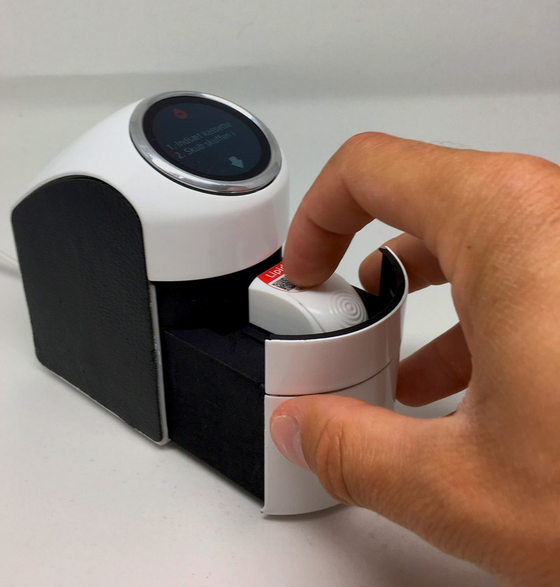 Trace is a rapid, lab accurate self-testing device for measuring wellness and disease biomarkers at home, delivered by Atonomics, Copenhagen Denmark. (PRNewsfoto/Atonomics)