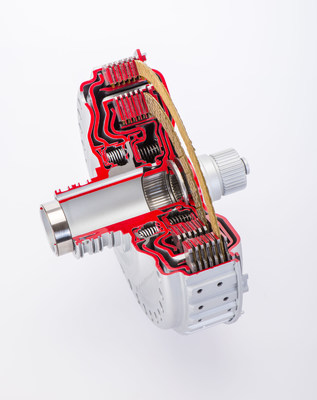 Specifically designed for use in high-rev applications and sports cars, BorgWarner's innovative dual-clutch module family provides enhanced shift feel and improved fuel economy.