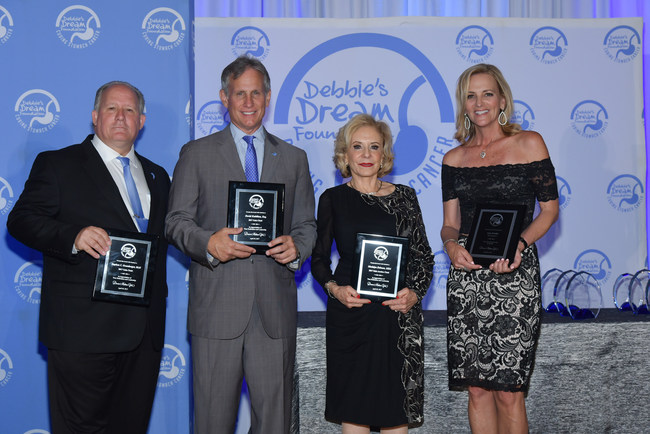 Stephen Greenberger (Gala Co-Chair), David Kubiliun (Gala Co-Chair), Madelyn Zelman (Auction Chair and DDF Board Member and Secretary), and Gala MC Lisa Petrillo (Entertainment and Lifestyle reporter for CBS4 Miami).