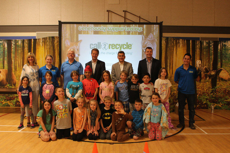 The Honourable Cathy Cox, Minister of Sustainable Development, joined Call2Recycle Canada, Inc. for an Earth Rangers School Assembly Program at Emerson Elementary School on May 19, 2017. Students learned about the importance of protecting biodiversity and diverting batteries from Manitoba's landfills. (CNW Group/Call2Recycle)