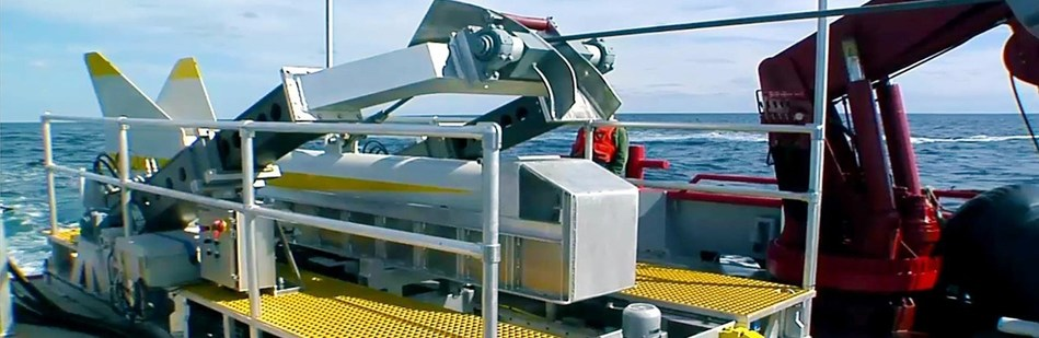 Raytheon photo – Raytheon's Littoral Combat Ship Variable Depth Sonar deployed and recovered at sea during developmental testing.