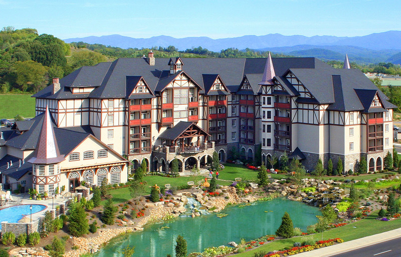 "The Inn at Christmas Place in Pigeon Forge, TN - Named the ""Best Hotel for Families in the Southeast"" in the annual Family Vacation Critic Favorite Hotel Awards (Photo Credit: The Inn at Christmas Place) (PRNewsfoto/Family Vacation Critic)"