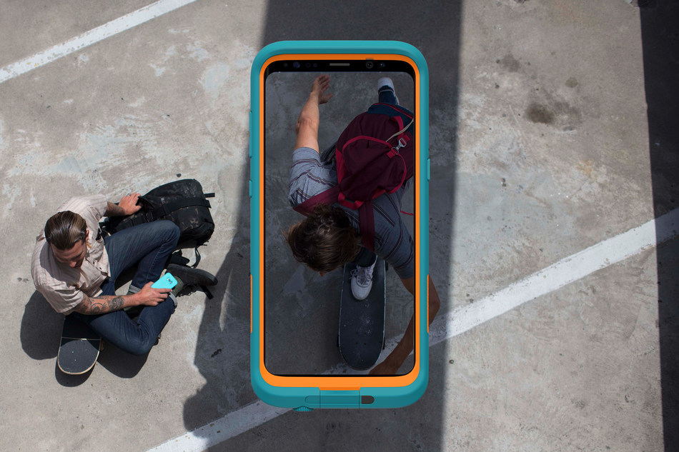 Equip Galaxy S8 and Galaxy S8+ with waterproof, drop proof, snow proof and dirt proof technology to truly take it on any adventure.