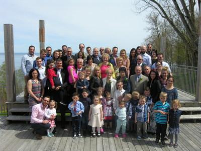Une belle fête pour la 60e famille agricole, la famille Gauthier, de Saint-Irénée. (Groupe CNW/Fondation de la famille terrienne)