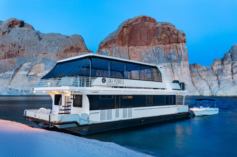 """This summer, Aramark is rolling out new programs, amenities and offerings at the nation's national parks and top travel destinations to help guests relax and enjoy themselves. At Lake Powell Resorts and Marinas, Aramark has introduced the new custom-built, state-of-the-art """"Wanderer"""" houseboat (pictured) to its fleet of recreational and leisure watercraft."""