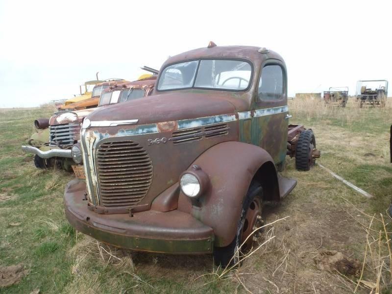 1940 REO Speed Wagon Truck