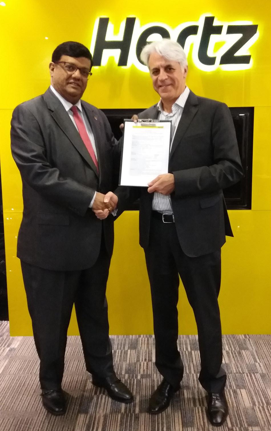 Michel Taride, Group President, Hertz International and Mahen Kariyawasan, Managing Director, Hertz, Dollar and Thrifty Sri Lanka.