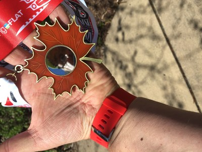The 'Great Canadian' mirror medal reflects your image making us all a 'Great Canadian' this year for Canada D'Eh Run tm (CNW Group/RunningFlat)