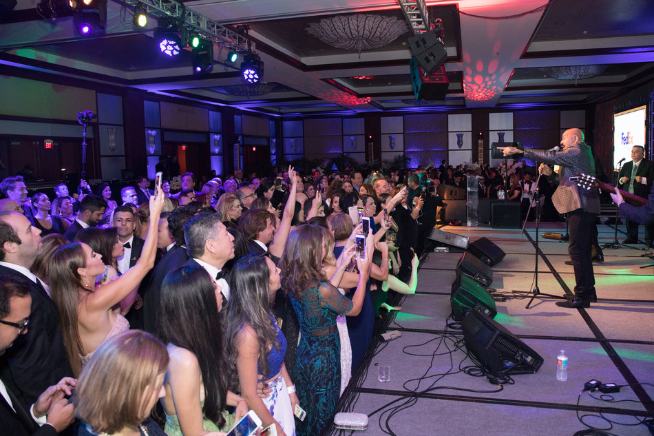 Oscar De Leon performs at 15th annual FedEx St. Jude Angels & Stars Miami Gala