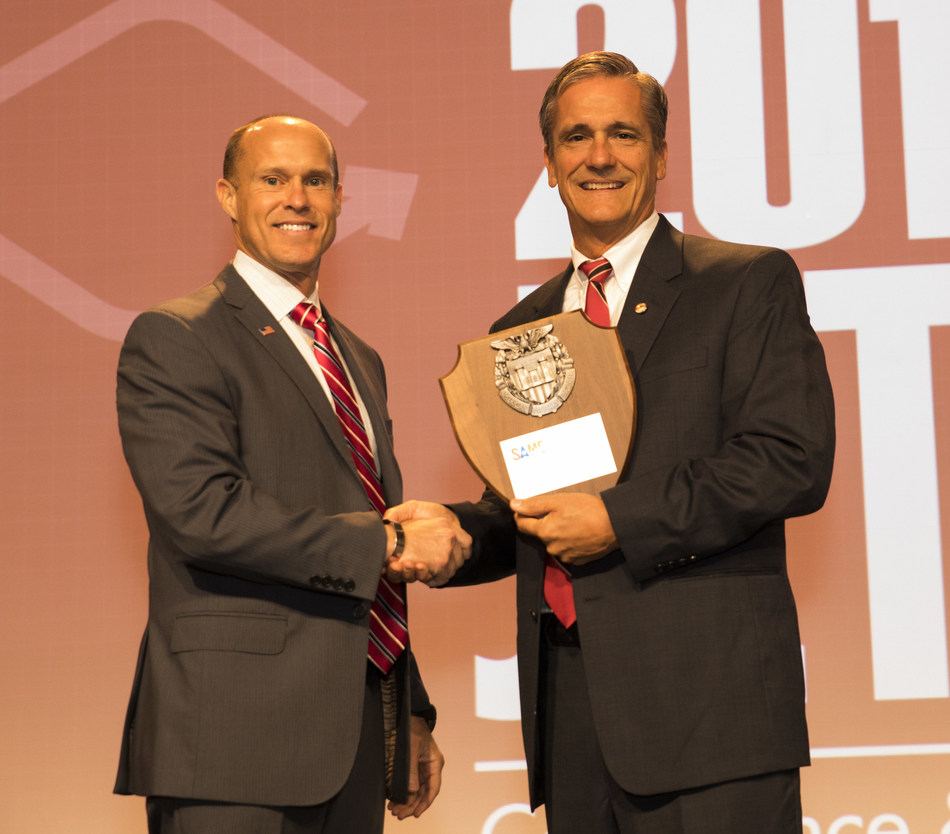 """Bechtel employee, Retired U.S. Army Captain Darren Amick (left) received the prestigious """"Outstanding Contributor of the Year"""" award from the Society of American Military Engineers earlier today for his work to help with the recruitment of veterans into the private sector."""
