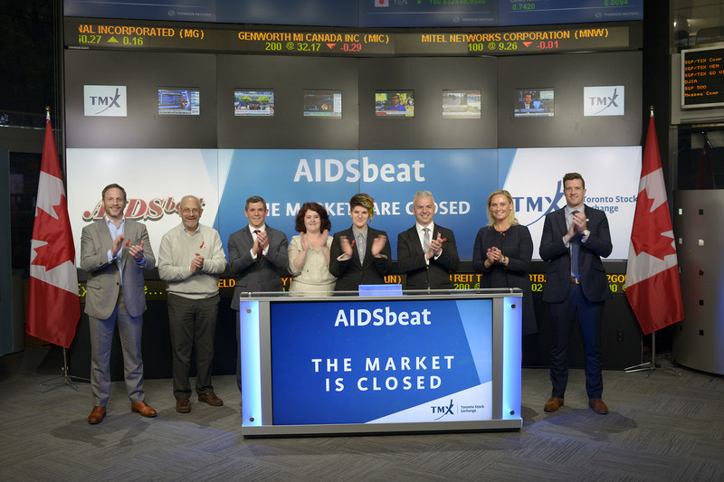 Members of Toronto's legal community joined Tanya Rowntree, Vice-President, Sales, TSX Trust Company, to close the market to raise awareness on the 21st annual AIDSbeat battle of the bands event, in support of the Canadian Foundation for AIDS Research (CANFAR). AIDSbeat brings together 600 legal professionals from over 20 Toronto law firms for a rock and roll extravaganza that has become a social highlight of the legal community for over 20 years. To date, the CANFAR has invested more than $18 million in research initiatives across Canada. This year's AIDSbeat will be held on May 26th at '1871' Berkeley Church (315 Queen Street East). (CNW Group/TMX Group Limited)