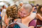 Défi têtes rasées Leucan : Des centaines de personnes s'unissent aujourd'hui pour la cause. (Groupe CNW/Leucan)