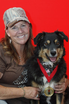 Purina Animal Hall of Fame 2017 Inductee Becky Jo with owner Tracy Matkea (CNW Group/Nestlé Purina PetCare Canada)