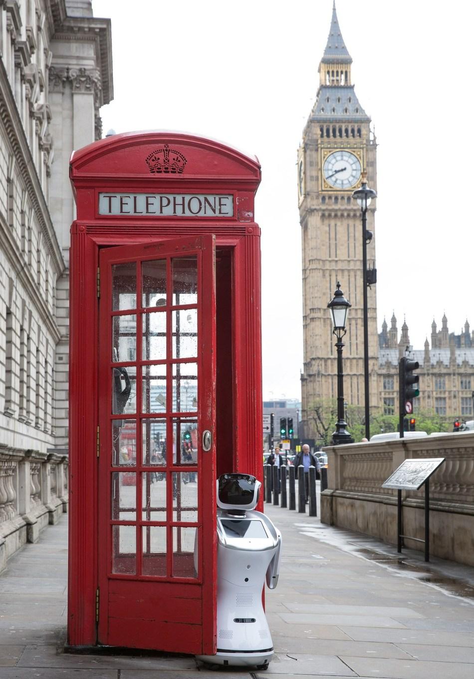Sanbot robot poses in front of Big Ben to promote London Tech Week #LTW (PRNewsfoto/London Tech Week)