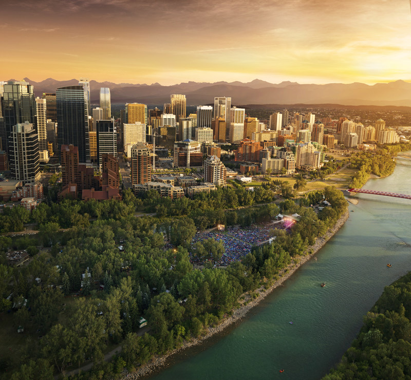 The Calgary Marriott Downtown offers the perfect location to explore all the sights and exciting Canada 150th celebrations happening around the city. (CNW Group/Marriott Hotels & Resorts Canada)