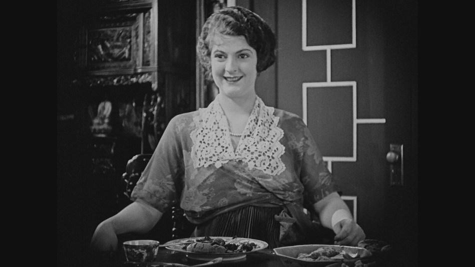 Priscilla Dean as Molly Madden