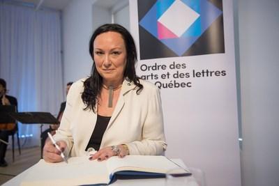 Phoebe Greenberg, récipiendaire de l'Ordre des arts et des lettres du Québec, lors de la cérémonie de remise organisée par le Conseil des arts et des lettres du Québec le 29 mai 2017. Crédit photo : Alexandre Claude. (Groupe CNW/Conseil des arts et des lettres du Québec)