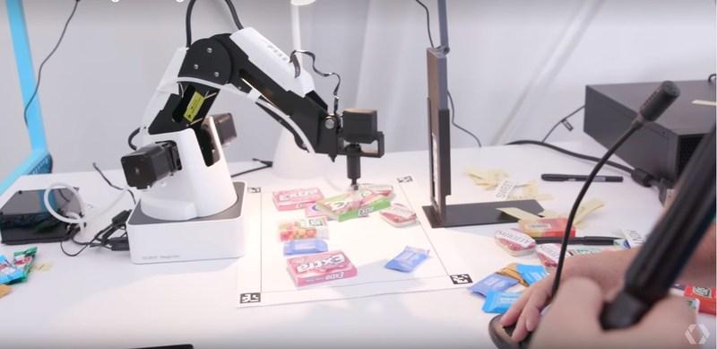 Dobot Magician Debuts at Google I/O 2017