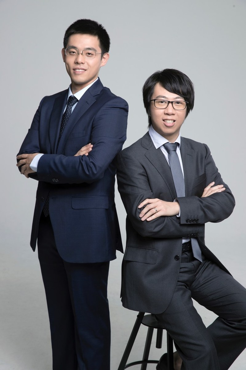 From left to right:Co-founder and Chief Scientist of Liulishuo Dr. Hui Lin, Chief Algorithm Engineer of Liulishuo Dr. Yi Sun