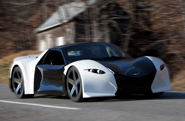 Lightning fast Tomahawk electric sports car (Groupe CNW/Dubuc Motors)