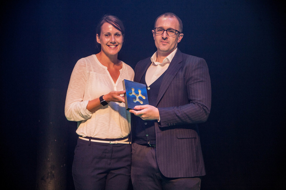 """KORE Software's European Commercial Director Darryl Pugh accepts the 2017 """"Best Technology for Commercial Returns"""" Award at the Sports Technology Award's annual award ceremony."""
